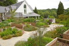 Large Country Garden in Hampshire